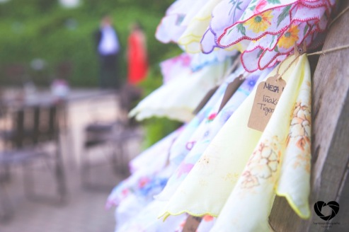 colores-de-boda-seating-plan-palet-panuelos-tela