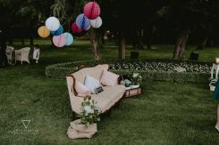 colores-de-boda-photocall-sillon-isabelino-honeycombs