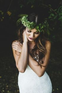 colores-de-boda-tendencia-novia-tiara-greenery