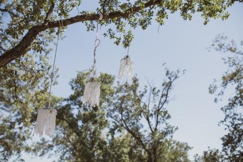 decoracion-bodas-madrid-lamparas-suspendidas-ceremonia-civil-604bj